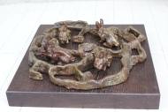 https://artistefinkelstein.com/labyrinthe-de-lapins-bois-bronze-9-x-34-x-33-cm-1999/